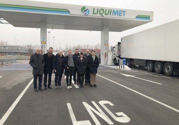 Visit to the LNG Padova truck refueling station